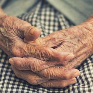 INITIATIV | Elever på Arlandagymnasiet hjälper till inom äldreomsorgen i Sigtuna