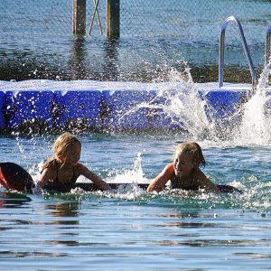 Så badar ditt barn säkert i sommar