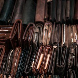 Var tionde granskad lädervara innehöll farliga ämnen över gränsvärdena