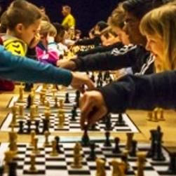 Final i världens största schacktävling för ungdomar spelas i Uppsala