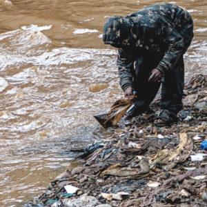 SAMHÄLLE | Nytt samarbete skapar försörjningsmöjligheter för utsatta – och rensar haven från plast
